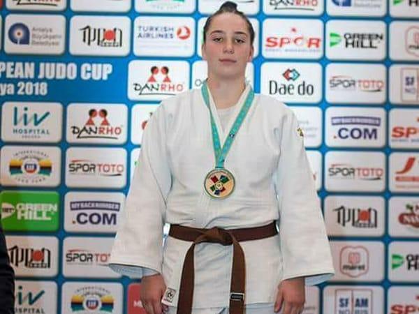 Alte trei medalii pentru sportivele de la SCM Deva la naționale 1