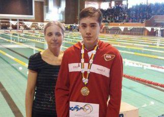Juniorul Nandor Nagy   de la CSS Hunedoara  medaliat cu aur la Cupa României 2