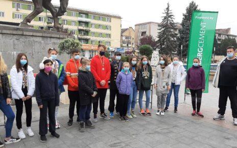 Campioni în orașul Cetății 2